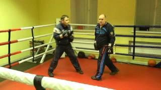 Клуб бокса В. Кириченко : Прямые, работа на отходе