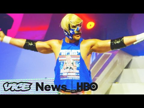 , title : 'Lucha Libre's Newest Pro-Trump Villain: VICE News Tonight on HBO'