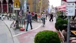 preview picture of video 'Bike Road in Munich (2)'