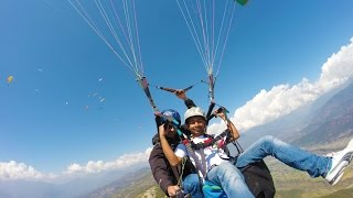 preview picture of video 'Tandem Paragliding - Stunts - Pokhara, Nepal'