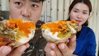 Việt-Hàn Couple:  😙😗Ghé thăm Dì 3 với Mâm CUA CÀ MAU bán chạy nhất Sài Gòn😜
