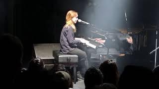"""Julien Baker """"Go Home"""" Live In Tokyo, Japan"""