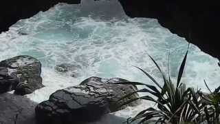 preview picture of video 'Natural Land Bridge Tonga'