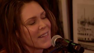 Musik-Video-Miniaturansicht zu Thankful Songtext von Beth Hart