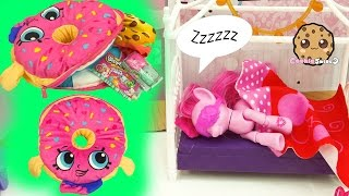Shopkins D'Lish Donut PJ Pyjama Case Bag + Season 5 Blind Bag Toy Surprises