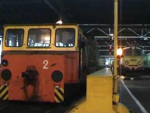 2006 W parowozowni i na kolejowej trasie z Pm36-2.