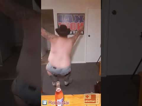 BIG man dances to GIT UP Blanco Brown
