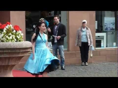 Sexy 50er Jahre Kleidung bei der Modenschau von Pineapple in Mainz (HD)