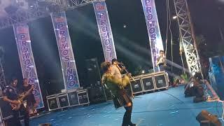 The Rosta Live Madiun...Ryndi Savira Goyang Syantik...Syantik.....