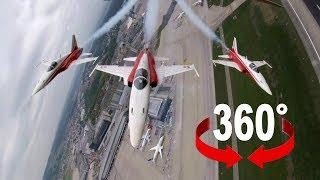Im Cockpit: Mit der Patrouille Suisse über dem Flughafen Kloten I 360-Grad-Video