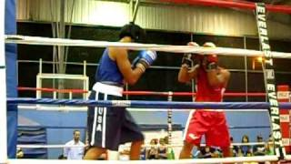 preview picture of video 'Boxeo Aficionado Papotito en Cubuy 09/03/10'