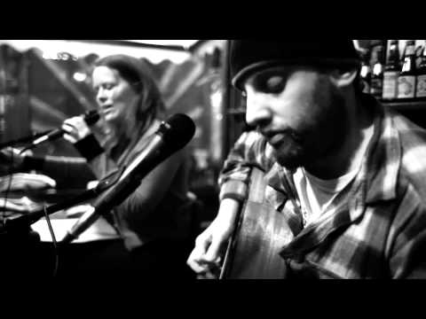Doghouse Roses - Working On The Road - Live In Amsterdam