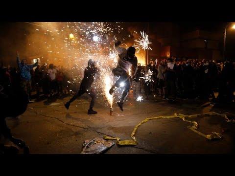 ΗΠΑ: Διαδηλώσεις για τη δολοφονία του Τζορτζ Φλόιντ – Στις φλόγες αστυνομικό τμήμα στη Μινεάπολις…