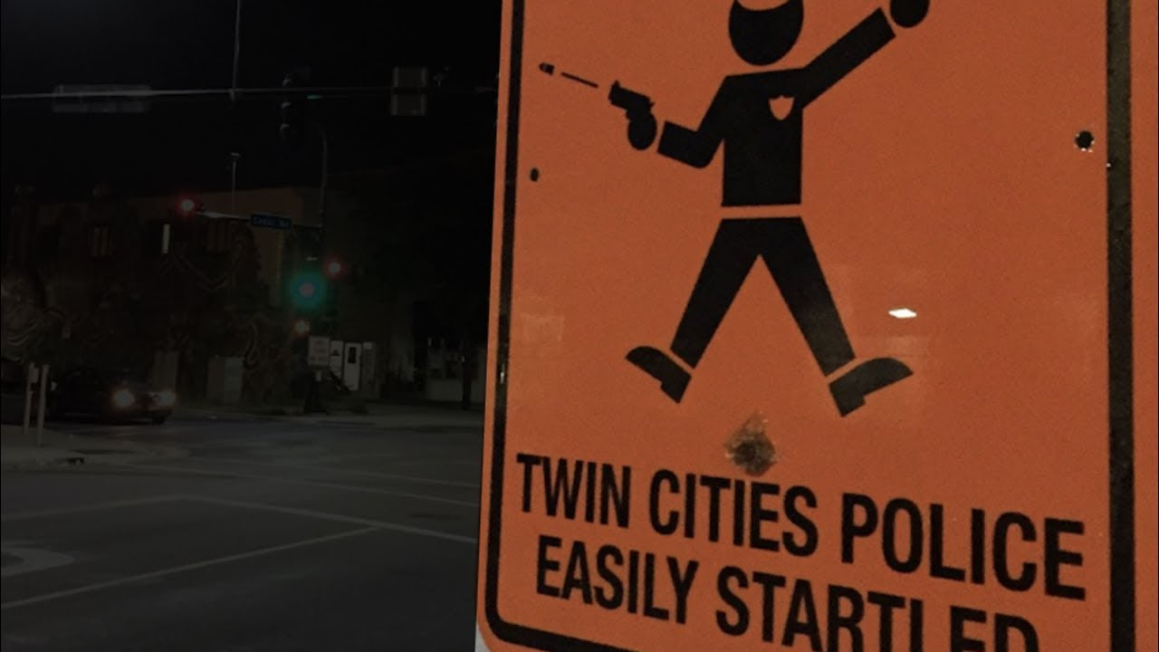 Fake Street Signs PERFECTLY Troll Police thumbnail