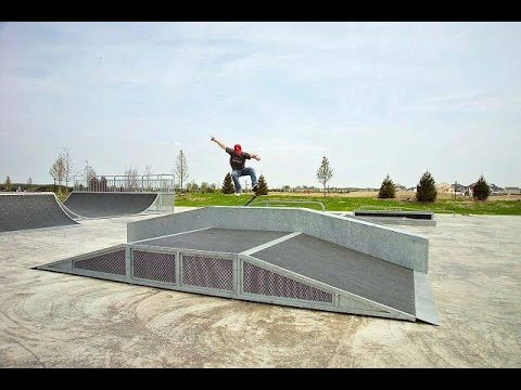 Pingree Grove Illinois Skatepark Walk Through