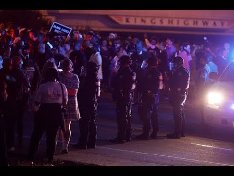 Police, protesters clash in St Louis after ex-cop's acquittal