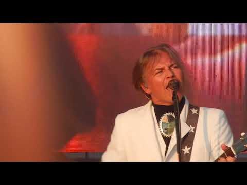 Мумий тролль - Владивосток-2000 (Рок за Бобров 2019)