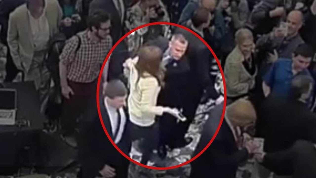 Trump Campaign Manager Charged After Roughing Up Reporter (VIDEO) thumbnail