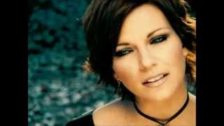 "Martina McBride- ""Concrete Angel"" w/lyrics"