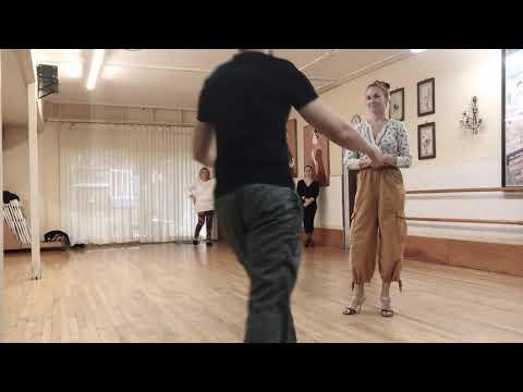 Tango 101S - La Baldosa