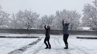 Winter Wonderland ❄️/Here Comes Santa Claus 🎅🏼 | Anna Kendrick & Snoop Dogg | Cardio Dance Fitness