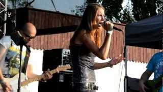Zuzana Smatanová - Keď neveríš, uveríš (live - Boje na Hrone 2012)