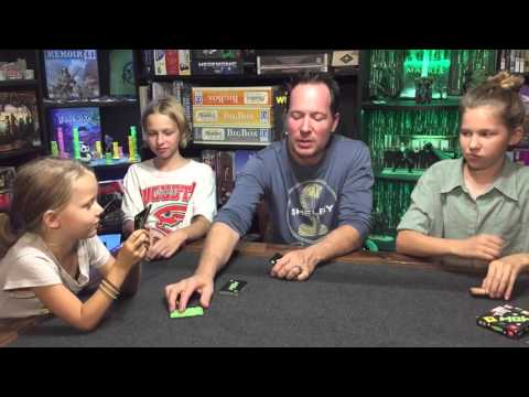 Bonding With Board Games: Shelby Smith & Family Review 'Mow'