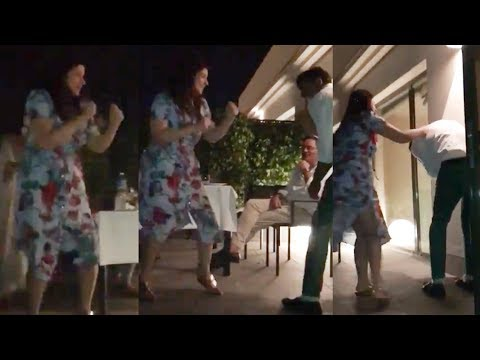 Akshay Kumar Gets BEATEN Up By Wife Twinkle Khanna