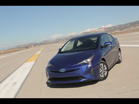 2016 Toyota Prius Review - First Drive