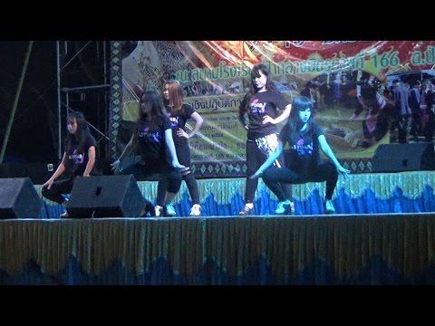 hmong girl dance in thailand
