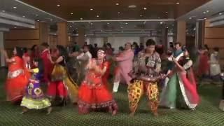 Main toh Aarti Utaru re Santoshi Mata Ki - YouTube