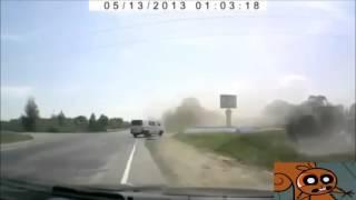 Auto fliegt durch die luft