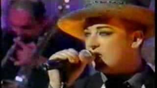"Boy George Live ""Suffragette City'"