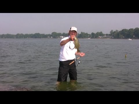 Shoreline Fishing for Smallmouth Bass – Surf Casting for Bass