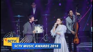 Gambar cover D'MASIV ft Rossa - Pernah Memiliki | SCTV Music Awards 2018