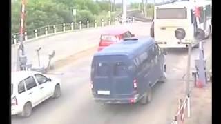 ДТП Лансер 9 и Лада Калина в Нововятске (обрезано)