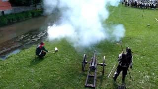 preview picture of video 'Große und Mini Kanone in Aktion   Gennsshenkherfest 2010'