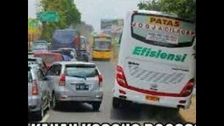 Aksi Sopir Bus Profesional cuma ada di Indonesia