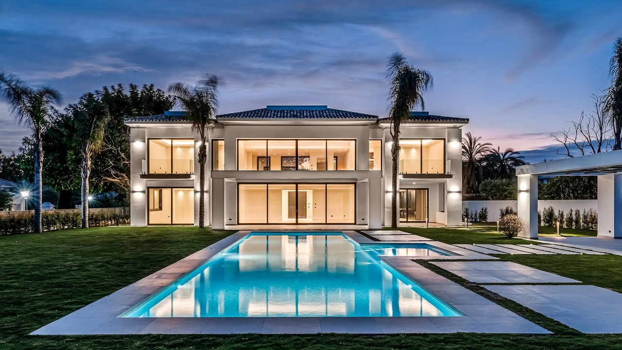 New Beachside Modern Luxury Villa in Casasola, Estepona