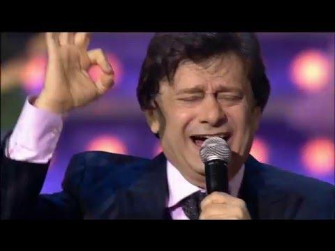 מופע מרגש של שירי עם ביידיש בביצוע יפים אלכסנדרוב