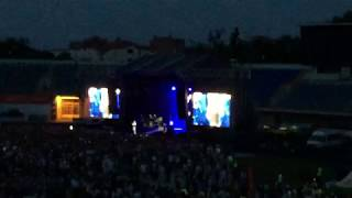 Вакарчук сорвал голос на концерте.