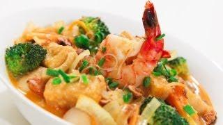 Seafood Curry Laksa Noodle Soup – Video Recipe