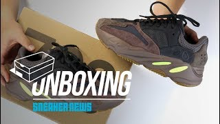 "Yeezy Boost 700 ""Mauve"" Unboxing + Review"