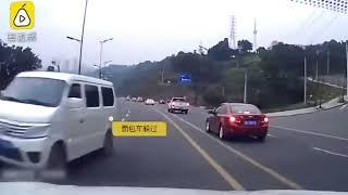 дтп, новый китайский беспилотный автомобиль, забыл ручник