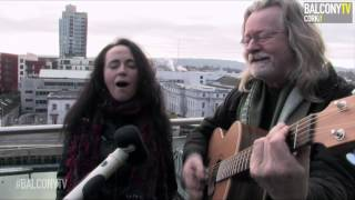 DECLAN SINNOTT & VICKIE KEATING - SUN SHINE IN (BalconyTV)