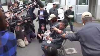 平川動物公園ホワイトタイガーの赤ちゃんマスコミへお披露目