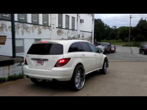 Mercedes-Benz r350 on 30 inch Asanti wheels