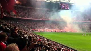 Ajax-Twente kampioenen opkomst met clublied