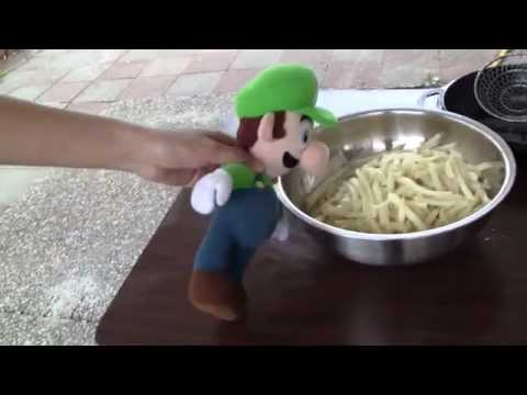 Cooking with Chef Luigi: French Fries
