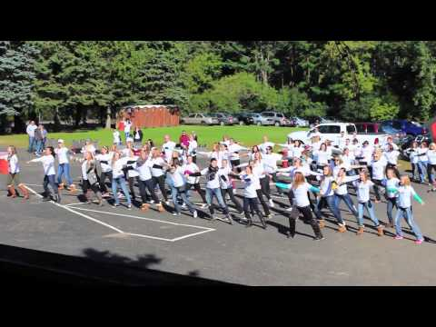 Local United Way Flash Mob Dancers Surprise St. Croix Valley!